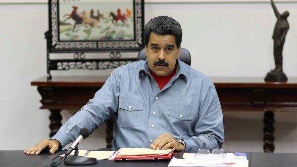 """Maduro estima que el decreto le permitirá """"enfrentar todas las amenazas internacionales""""."""