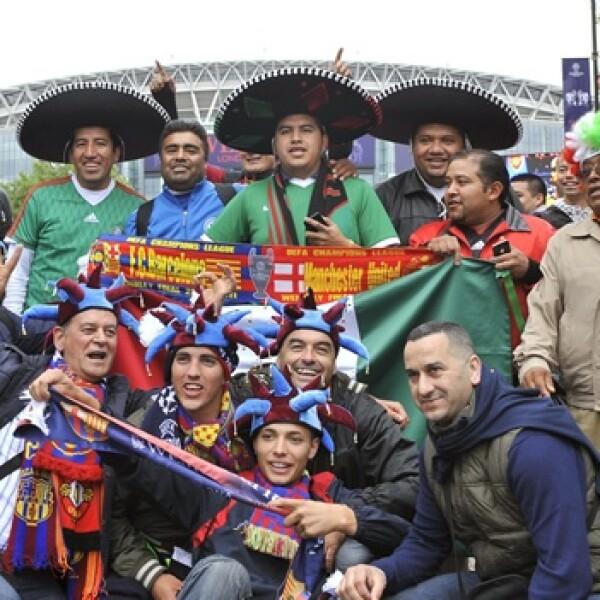 Manu_Barca_Wembley_Fans2