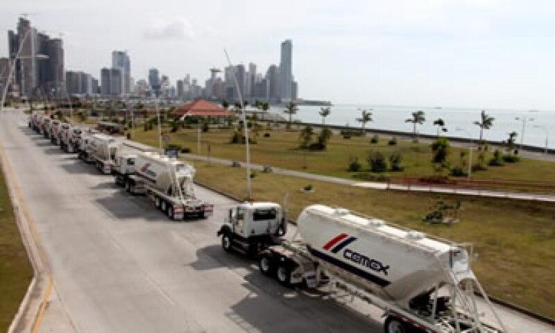 Cemex espera generar 300 millones de dólares este año en reducción de costos y gastos financieros. (Foto: tomada de flickr.com/photos/cemex )
