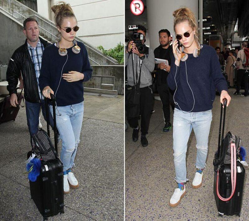 La modelo insultó al personal de seguridad de la estación Gare du Nord de París cuando intentaron revisar su maleta antes de acceder al tren.