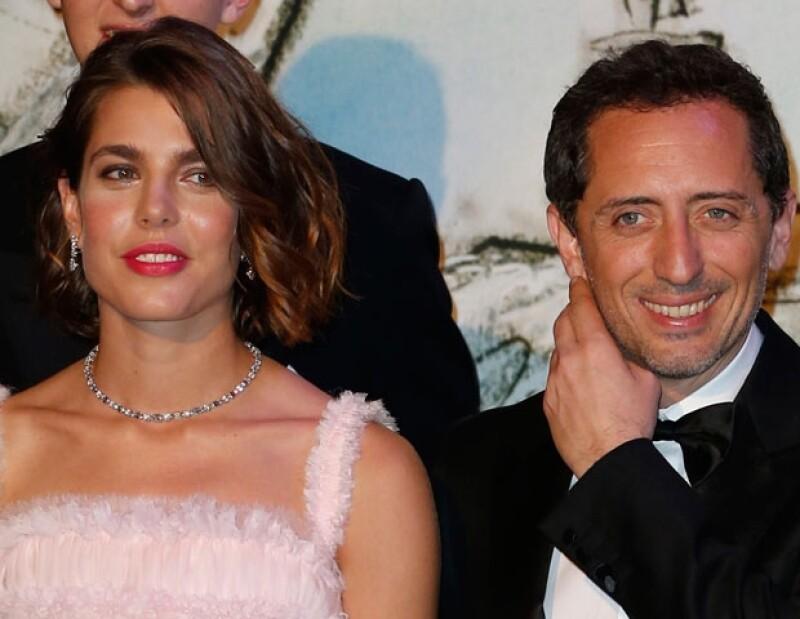 Una misteriosa pancita ha levantado rumores de un embarazo del actor francés Gad Elmaleh.
