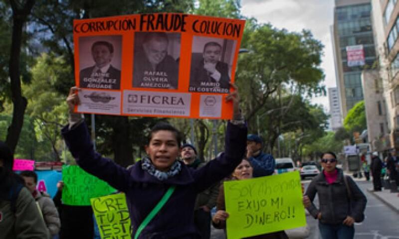 Los ahorradores se manifestaron por la devolución de su dinero. (Foto: Cuartoscuro)