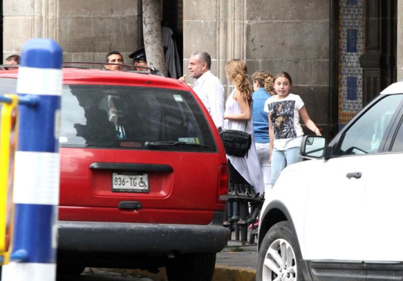 Regina, la hija más pequeña de Angélica Rivera, también conoció la producción en centro de la capital.