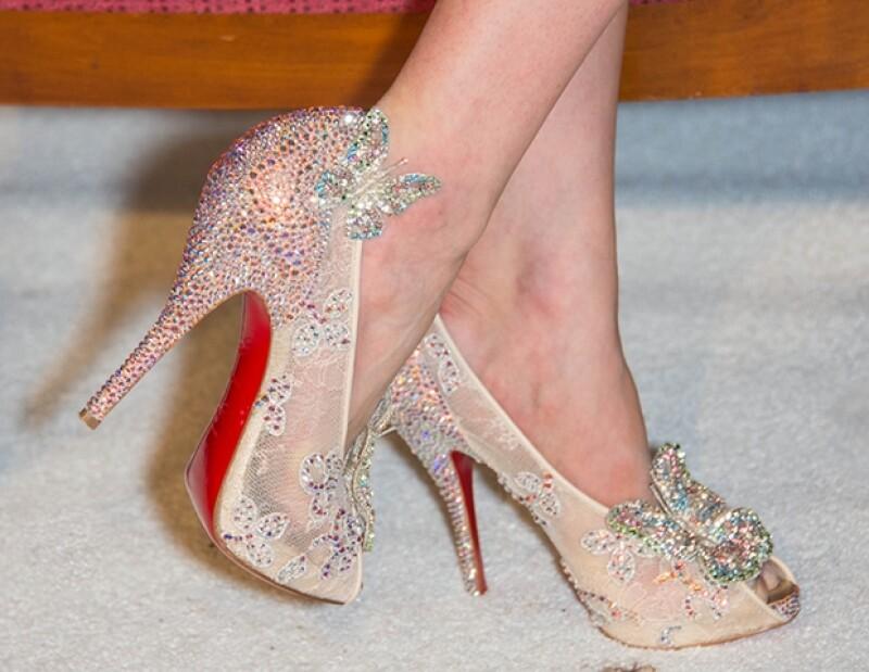 Raphaelle Leboeuf es la ganadora de un par de zapatillas de cristal diseñadas con las icónicas suelas rojas.