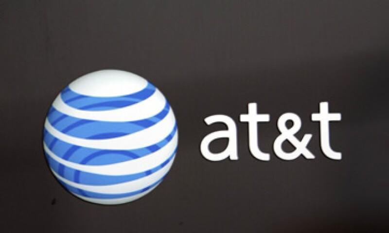 AT&T tiene dos asientos en la junta directiva de América Móvil. (Foto: AP)