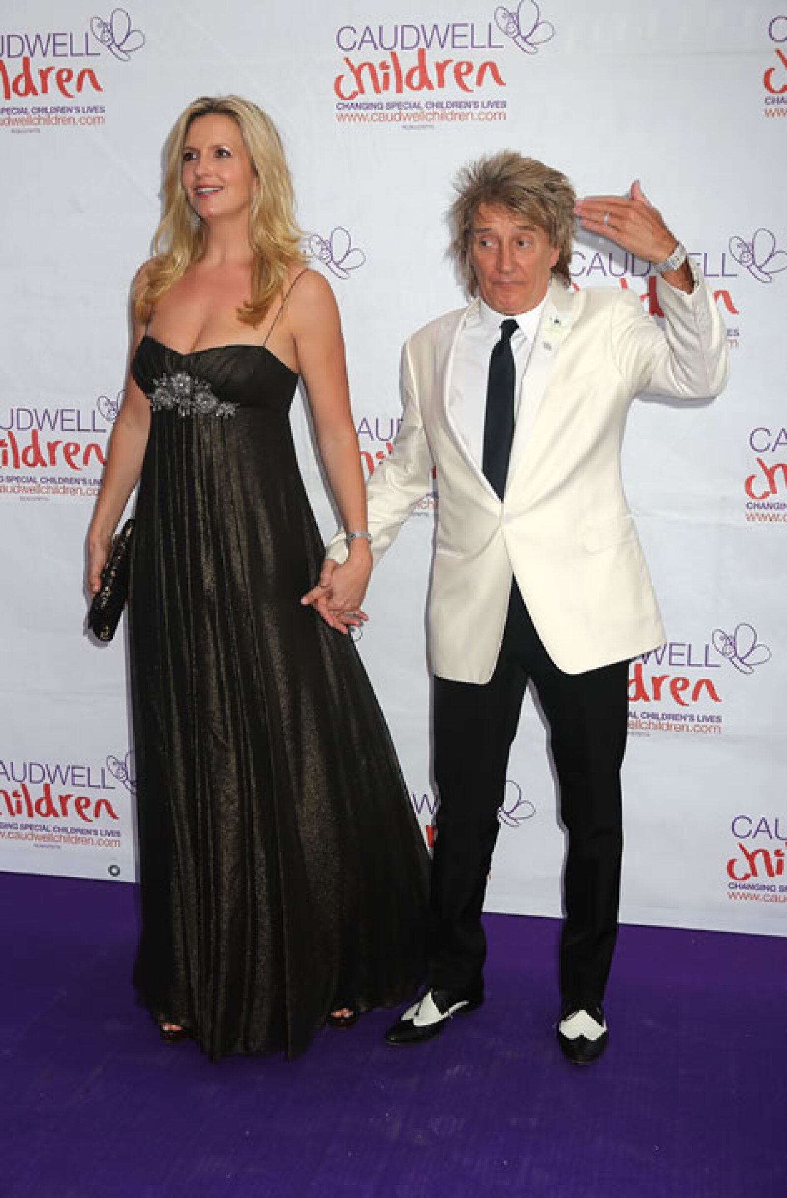 Rod Stewart siempre ha tenido predilección por altas rubias y su actual esposa Penny Lancaster es una de ellas.