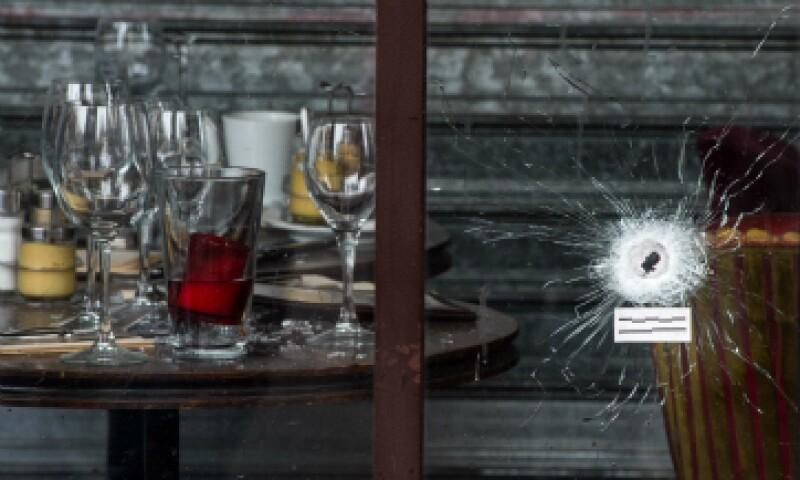 ISIS se atribuyó el ataque en el que fallecieron al menos 129 personas. (Foto: Getty Images)