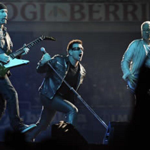 U2 tiene agotadas las localidades de los tres conciertos que ofrecerá en el Estadio Azteca. (Foto: Archivo AP)