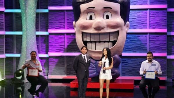La guapa conductora hará mancuerna con Mauricio Barcelata en el nuevo programa de concursos de TvAzteca.