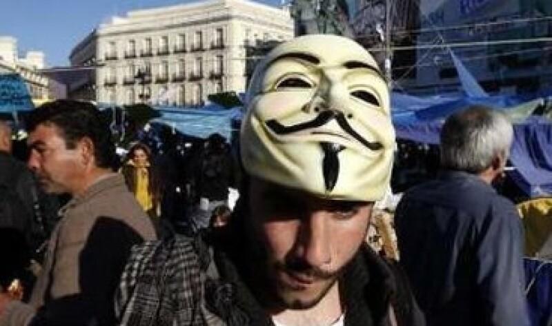"""El grupo se identifican por el uso de máscaras relacionadas con la novela gráfica """"V for Vendetta"""". (Foto: Reuters)"""