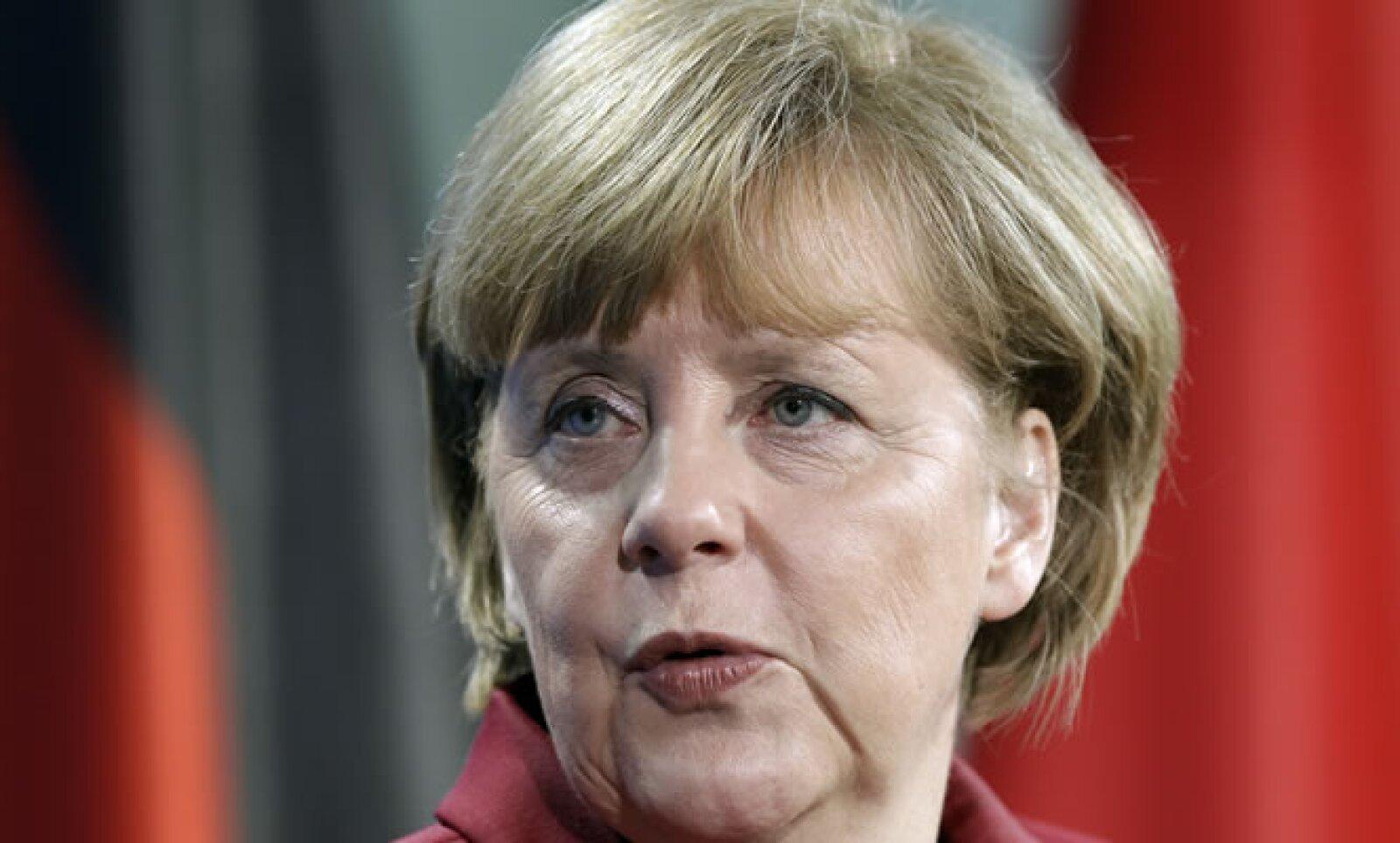 Canciller de Alemania desde 2005. Está entre los funcionarios responsables de enfrentar la crisis de deuda que azota a la eurozona. Este año busca su reelección al frente del país más poderoso del bloque monetario.