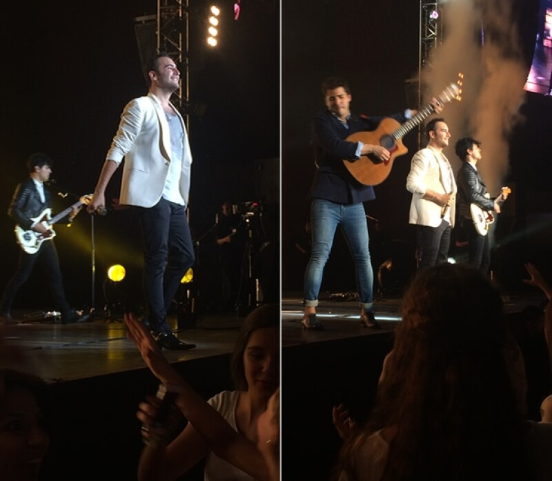 Julio, vocalista, Jesús y Bibi durante el show.