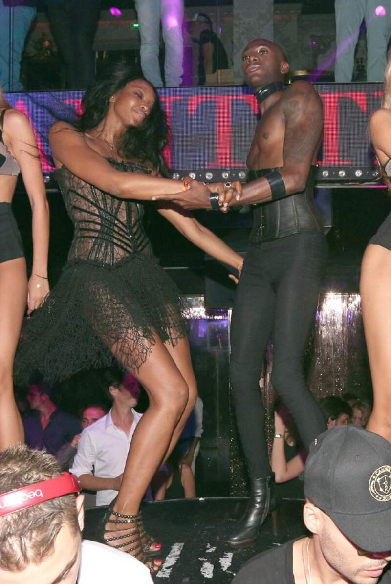 Naomi Campbell disfrutó en grande al ritmo de Paris en el VIP room.