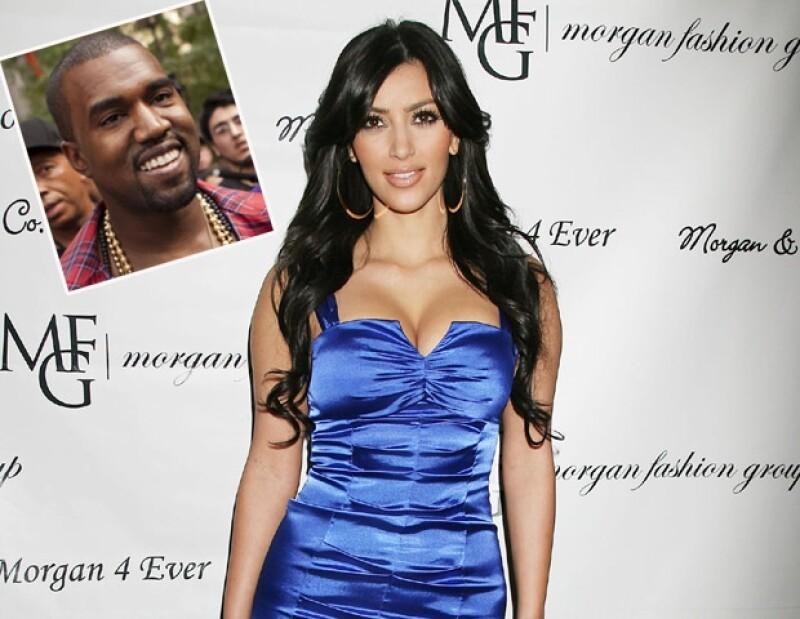 La estrella de reality y el cantante fueron vistos en Nueva York saliendo del cine; una fuente confirma a People su noviazgo.