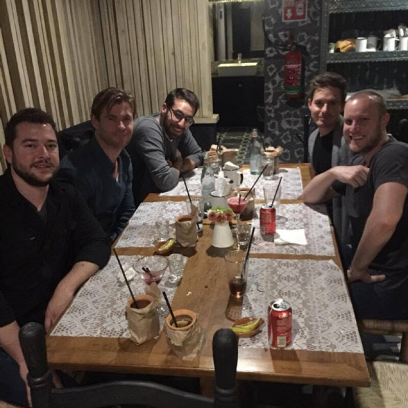 En su reciente visita a México, el intérprete de &#39Thor&#39 comió comida mexicana con amigos, en el restaurante Fonda Fina, del actor mexicano.