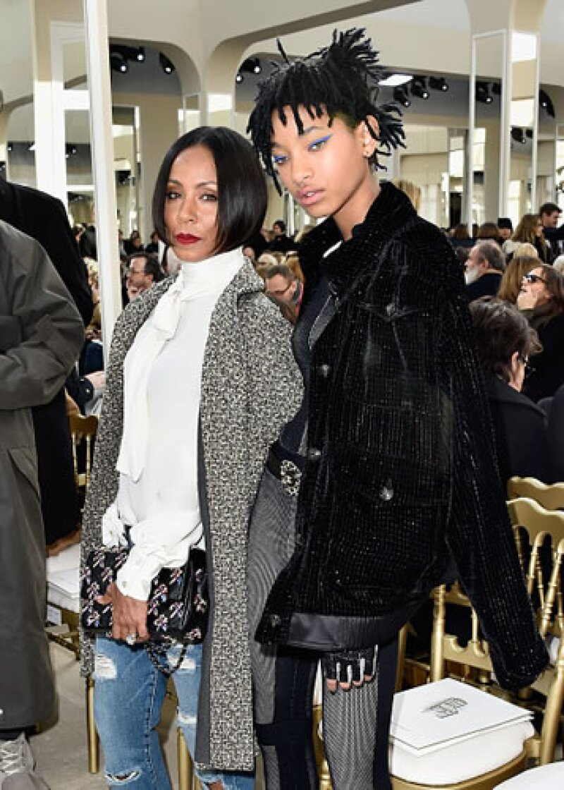 Jada recientemente acompañó a su hija a un fashion show de Chanel, marca que acaba de nombrar a la adolescente su embajadora.