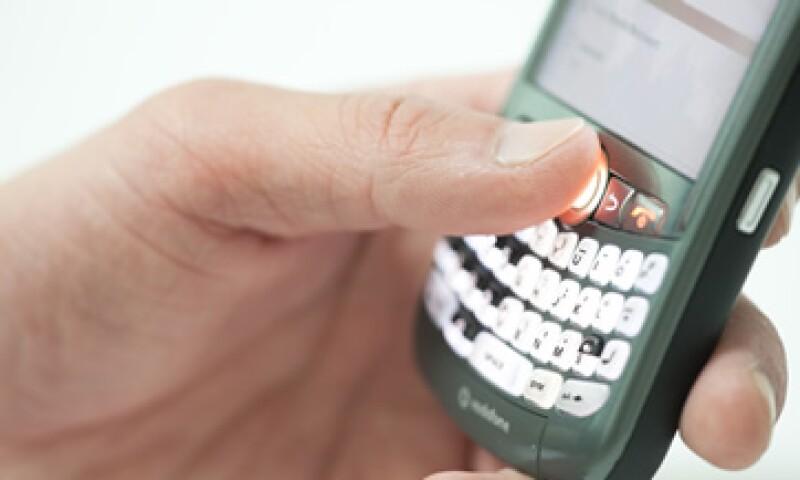 La senadora del PAN, Teresa Ortuño pidió que las telefónicas no cobren servicios que no han sido solicitados por los usuarios. (Foto: Thinkstock)