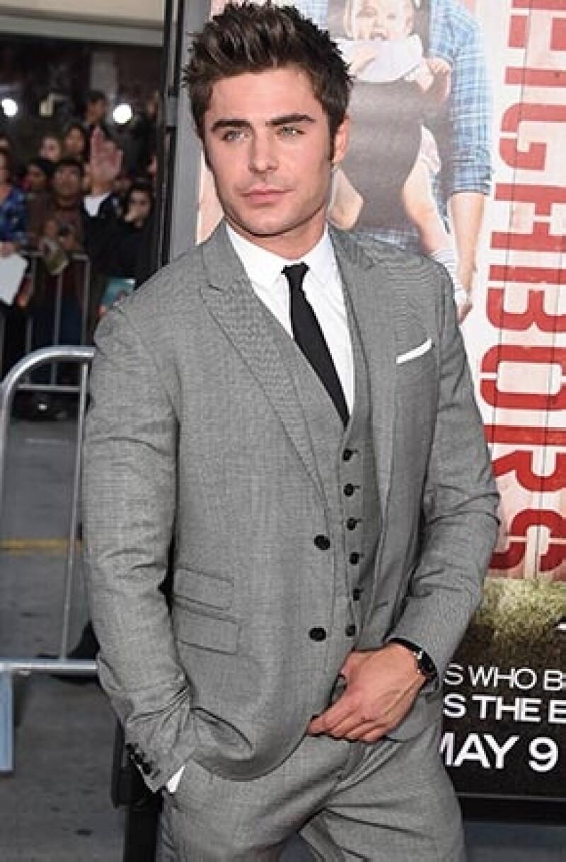 El atractivo actor ocupa la primera posición en la lista de los 101 hombres más atractivos de 2014 publicada por la revista británica heat.