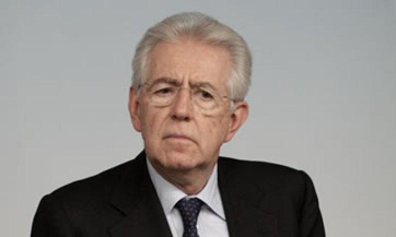Monti dijo que dimitirá una vez que se apruebe el presupuesto 2013.  (Foto: AP)