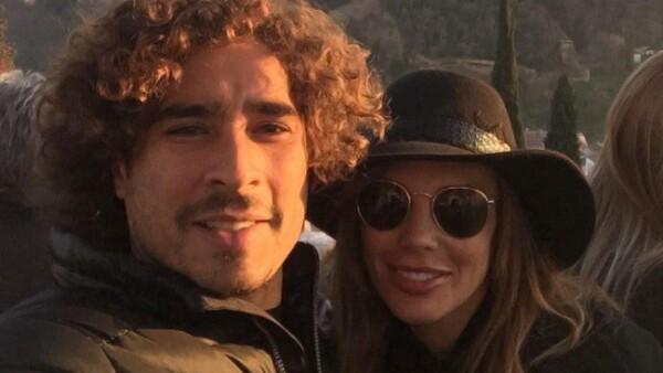 Guillermo Ochoa y su esposa