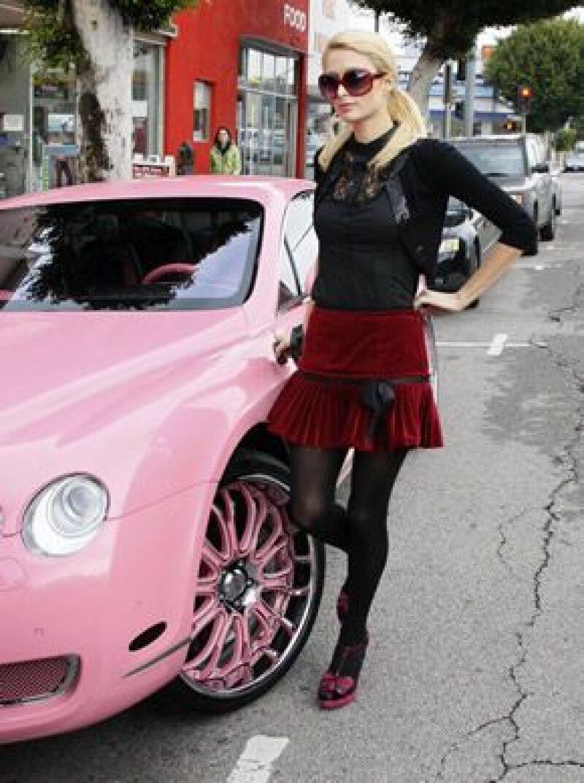 Paris Hilton siempre quiso tener un coche rosa como el de Barbie.