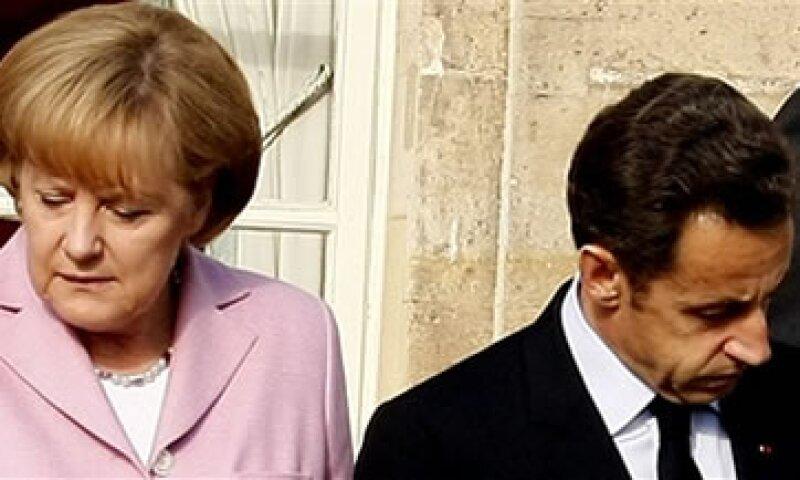 Angela Merkel advirtió a fines de 2011 que falta un largo camino para superar la crisis de deuda. (Foto: AP)