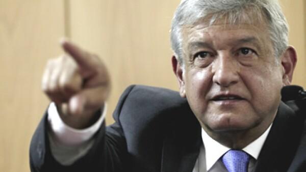 Andrés Manuel López Obrador propone que paguen impuestos los que actualmente no lo hacen. (Foto: Notimex)