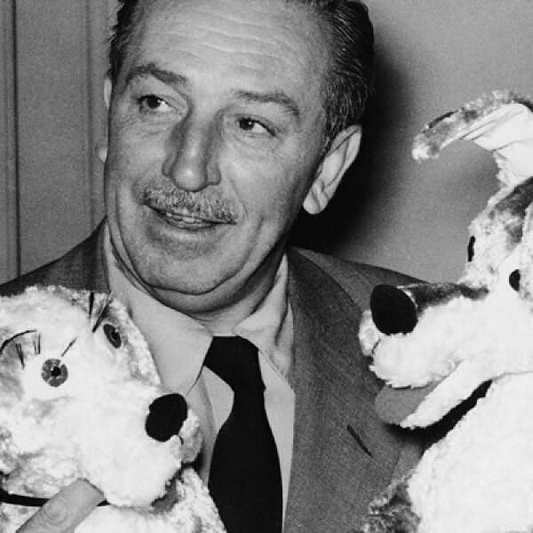 En 1922, Walt junto con su amigo Ub Iwerks abren su primer estudio de animación, que sería el futuro embrión de  The Walt Disney Company.