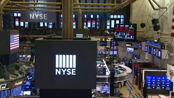 Wall Street cierra piso de operaciones y realiza trabajo online.