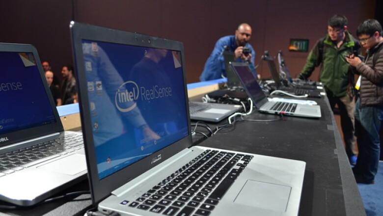 La fabricante anunció su tecnología RealSense, la cual imita la forma en que funciona el cerebro humano y estará disponible en laptops.