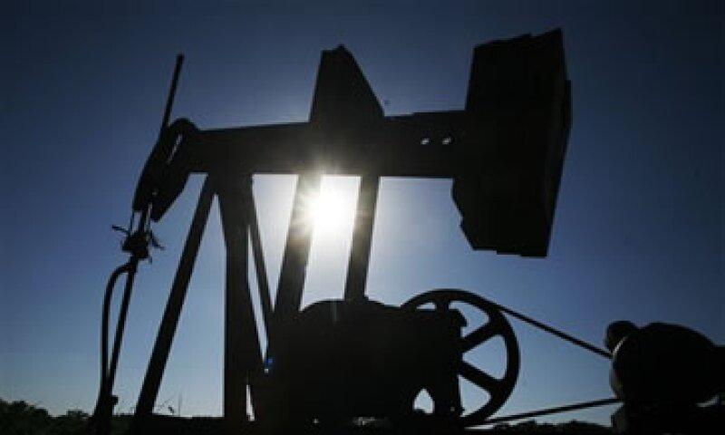 El precio del crudo osció entre 96.53 y 99.21 dólares. (Foto: AP)