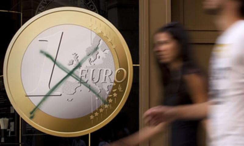 Analistas estiman que se necesitarían al menos 2 billones de euros para salvaguardar a Italia y a España si la crisis se propaga. (Foto: Reuters)