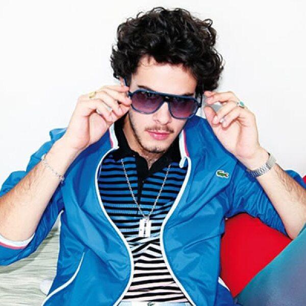 La marca 'juega' con sus prendas clásicas y las transforma a un estilo más novedoso.