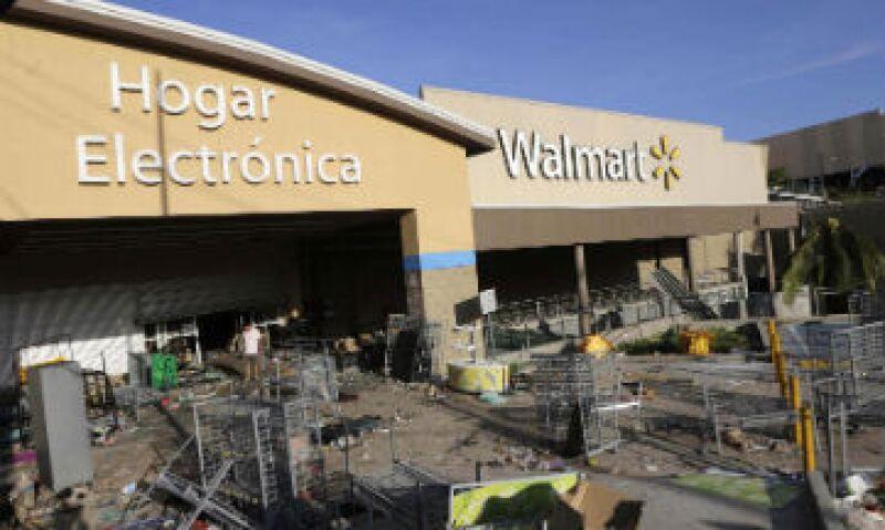 Walmart reportó que ha perdido mercancía y equipo, como básculas y cajas registradora. (Foto: Reuters)