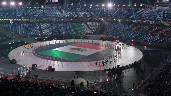 México alza la mano