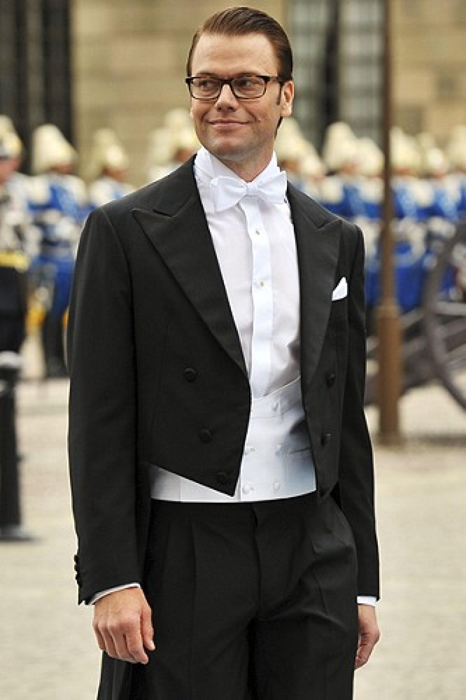 El ex entrenador de Victoria ha sabido como complementar su look con el de un royal.