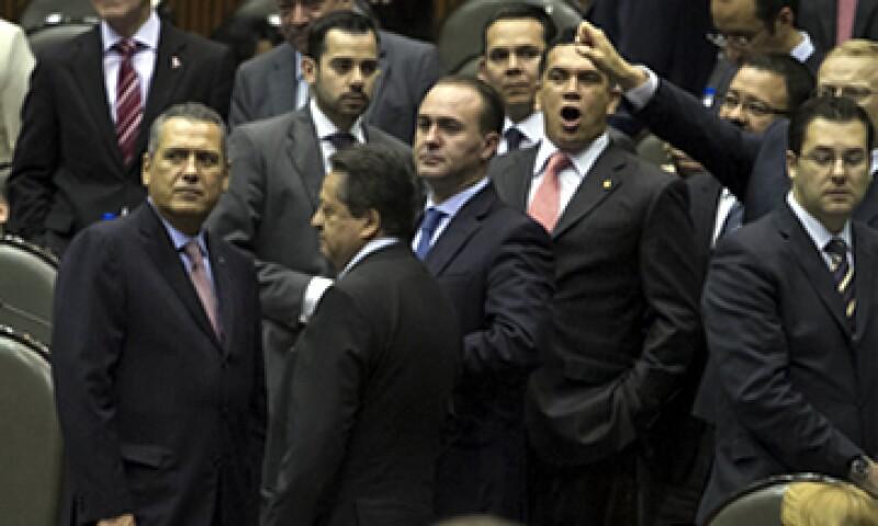 La mayoría de las 19 reservas hechas al dictamen fueron rechazadas por los legisladores en votación económica(Foto: Notimex)