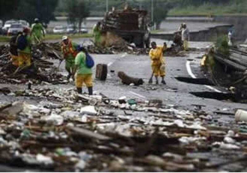 El paso del huracán destrozó gran parte de la infraestructura de Monterrey. (Foto: Archivo Reuters)