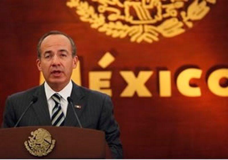 Calderón propuso la eliminación de tres secretarías federales. (Foto: AP)