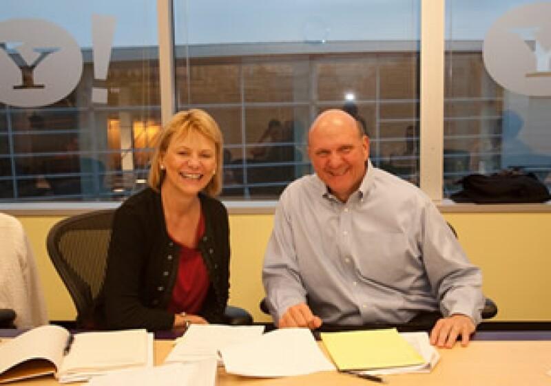 Carol Bartz, CEO de Yahoo! y Steve Ballmer, CEO de Microsoft, anunciaron su alianza el 29 de julio. (Foto: Cortesía Flickr)