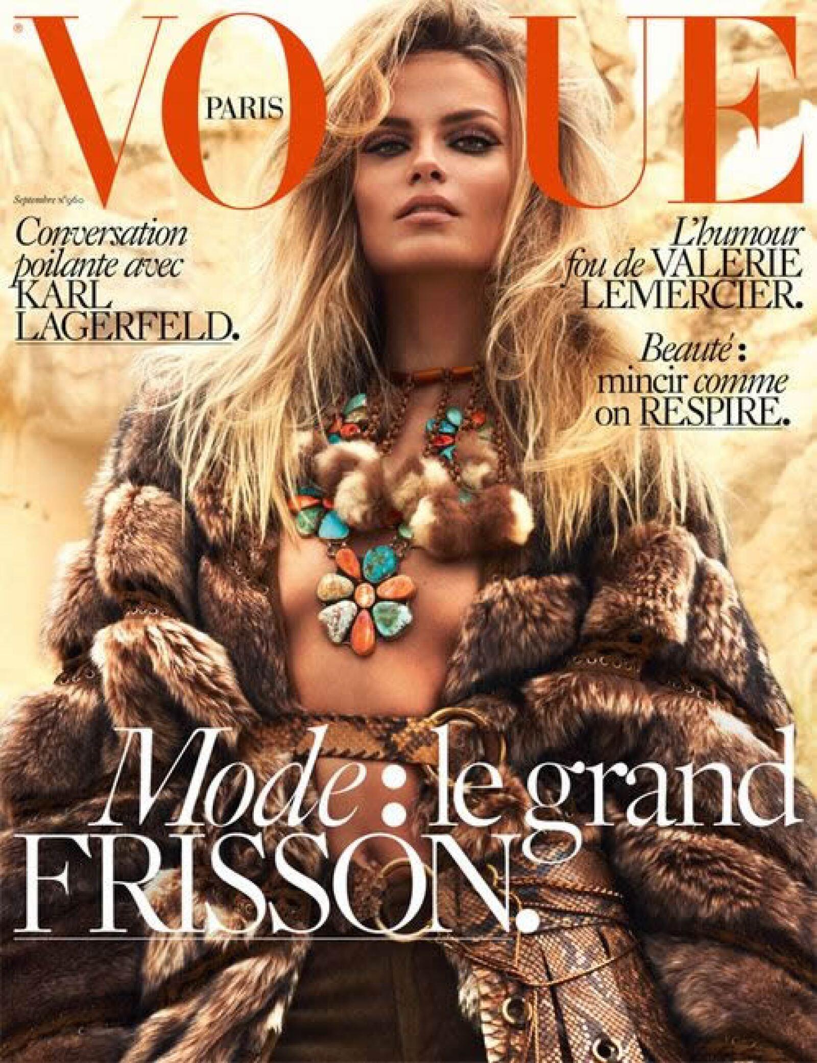 Vogue París: En su segunda portada del mes, Natasha Poly es fotografiada por Mert and Marcus para Vogue.