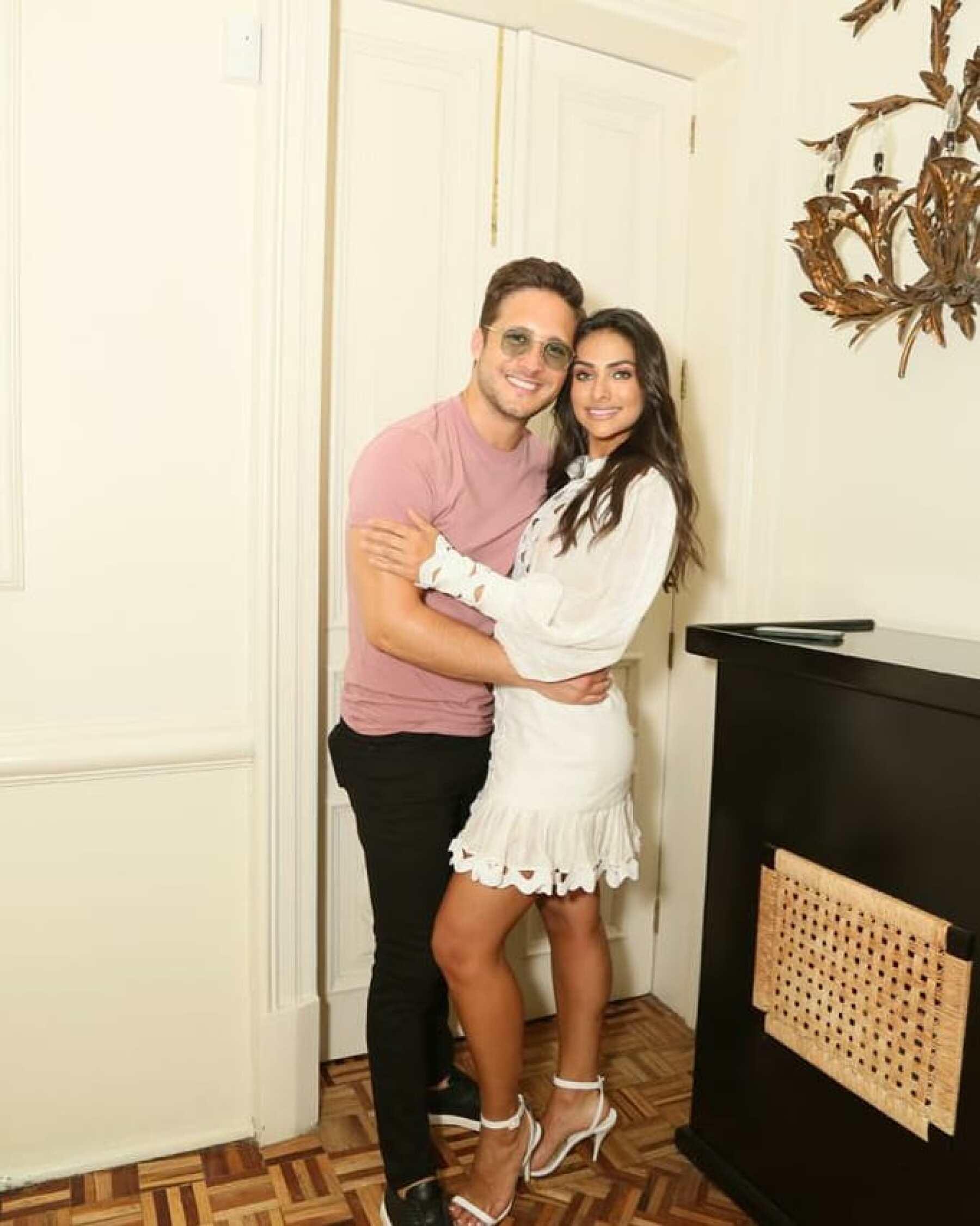 Exclusiva: Diego Boneta y Renata Notni posan juntos por primera vez