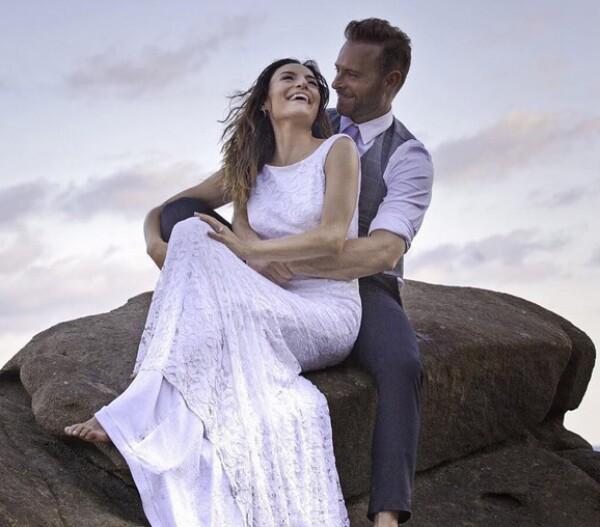 La pareja se casó en diciembre del año pasado en una romántica boda en Puerto Escondido.