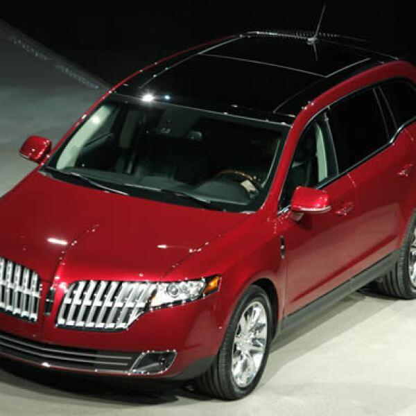 El MKT comparte la misma plataforma que el crossover Ford Flex.