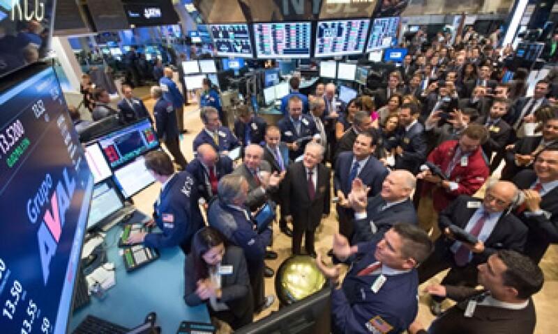 El Dow Jones bajó 0.68% y el S&P 500 retrocedió 0.58%.  (Foto: Reuters)