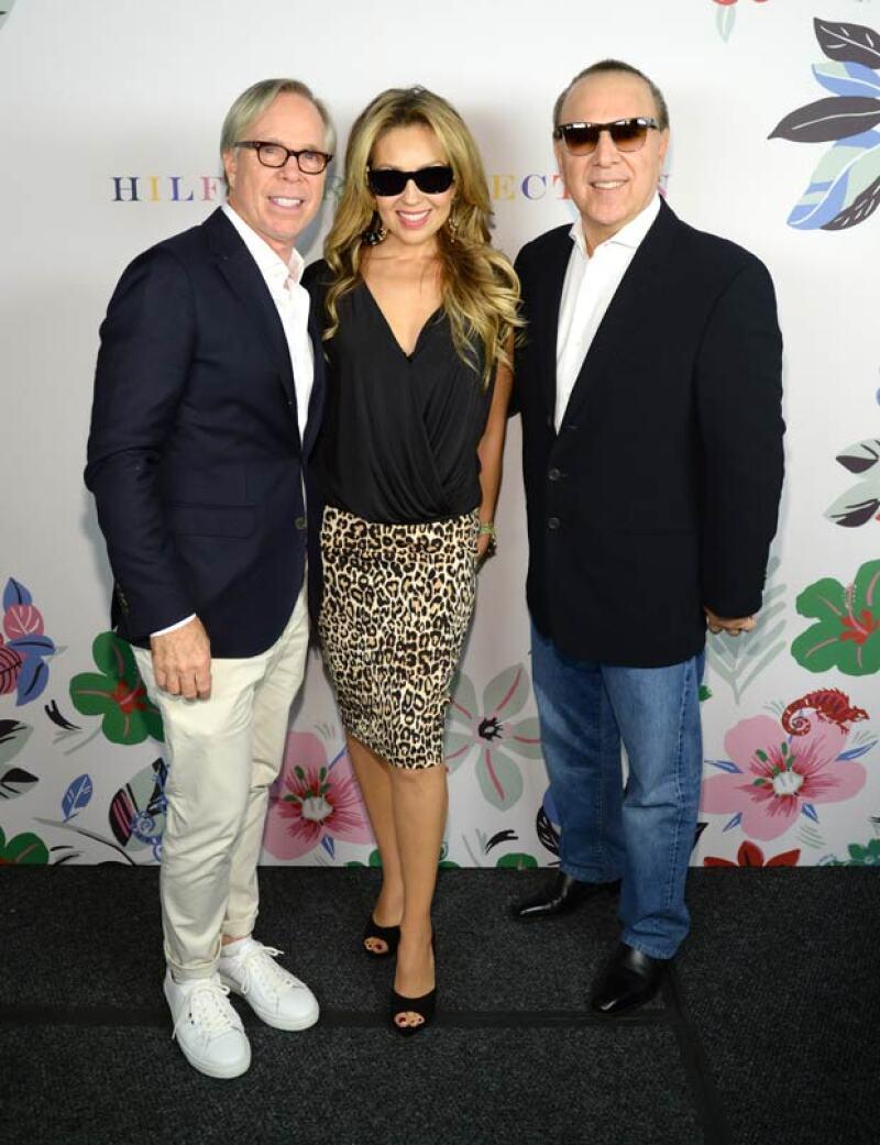 En el evento estuvo acompañada por su esposo, Tommy Mottola. Con quien posó junto al diseñador Tommy Hilfiger.