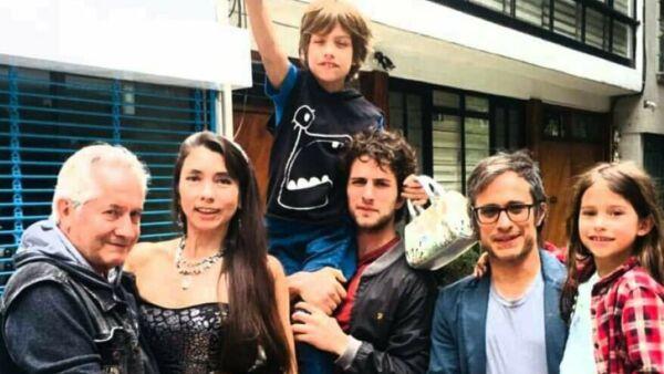 Gael García y familia
