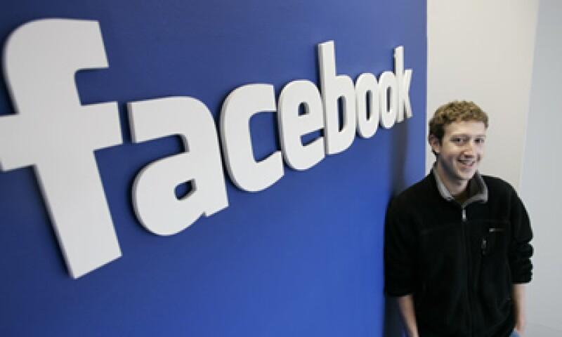 Facebook dijo que los ingresos de su división móvil representaron 53% del total. (Foto: Archivo)