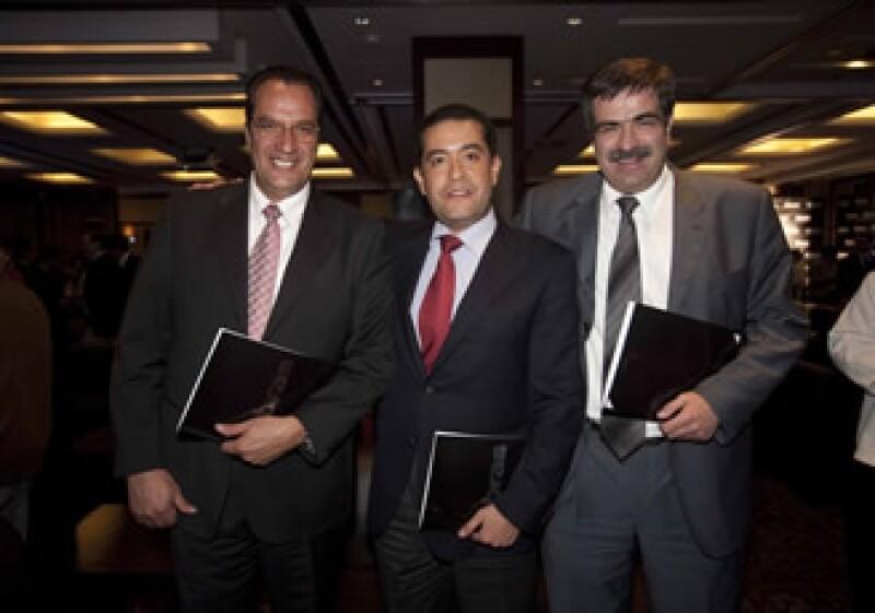 Representantes del Puente Albatros, uno de los dos finalistas (Adán Gutiérrrez)