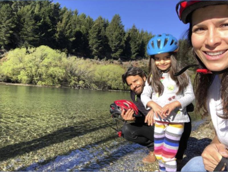 Los Derbez comparten su viaje a Nueva Zelanda